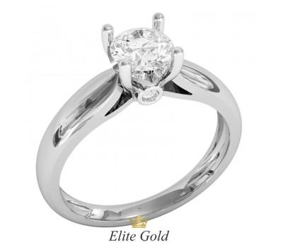 Классическое кольцо на помолвку с центральным камнем артикул 1202