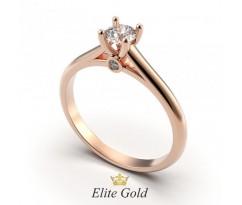 Женское кольцо с лаконичным дизайном и камнями артикул 1575