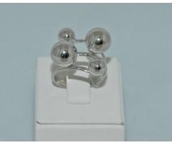 Серебрянное женское кольцо артикул: 60181
