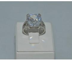 Серебрянное женское кольцо артикул: 60351