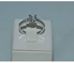 Серебрянное женское кольцо артикул: 60701